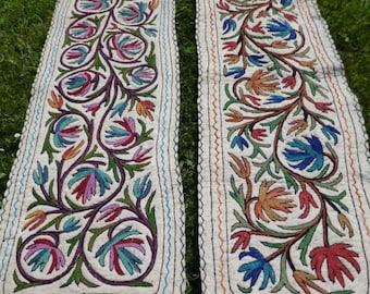 Long Felt Rugs Wool Kashmir Hand Embroidered Namda Kilim tapis. 6 ft x 2 ft