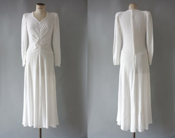 Boutons de rose wedding dress | White viscose long dress with buttoned back and long sleeves | 1930's by Cubevintage | small