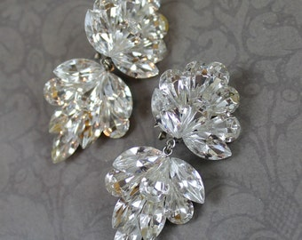 Vintage 1980s Sparkling Dangling Clear Rhinestone Bling Clip On Earrings