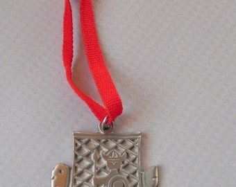 R. Tennesmed Pewter Pendant or Christmas Ornament. Made in Sweden. Mid Century Nordic Viking Ship.