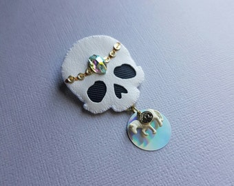 Good Luck Charm skull pin - white