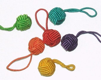 HiyaHiya Rainbow Yarn Ball Stitch Markers Set of 6