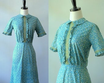 Green Vintage Dress Green Midi Dress 1960s Dress Womens Vintage Clothing Calico Dress Spring Clothing Short Sleeved Smocked Womens Small