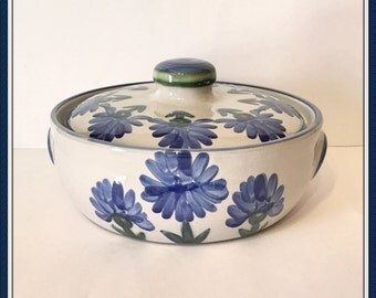 Vintage Bachelor Button Casserole Bowl,  Louisville Stoneware, Corn Flower, Handcrafted, Two Quart, Weight 6 lbs., 1980's