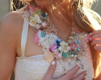Flower statement necklace, wedding statement necklace, gypsy wedding necklace, boho beaded necklace, beaded bib necklace, chunky big