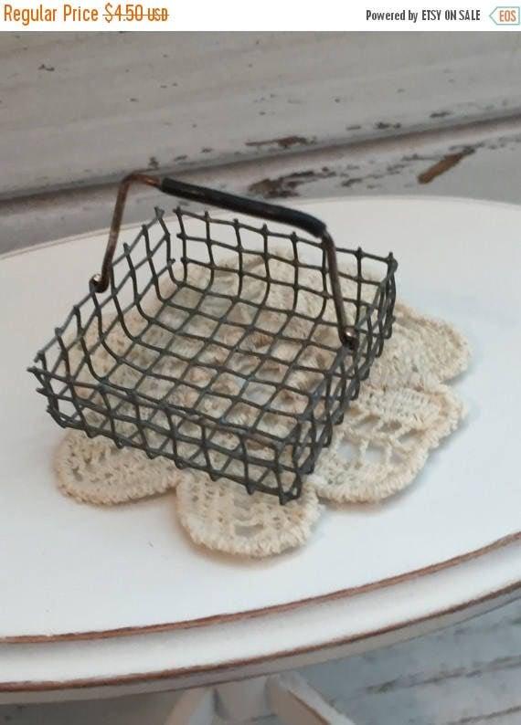 SALE Miniature Metal Wire Handle Basket, Dollhouse Miniature, 1:12 Scale, Dollhouse Accessory, Mini Basket, Decor, Topper, Crafts