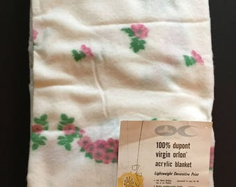 Vtg Blanket Twin / Full Size - White with Pink Flowers - Unused with Original Tag