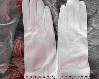 My Hands Look Great Vintage WhiteLeather Driving Gloves Never Used