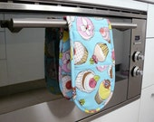 Double Oven Mitt - yummy cupcakes
