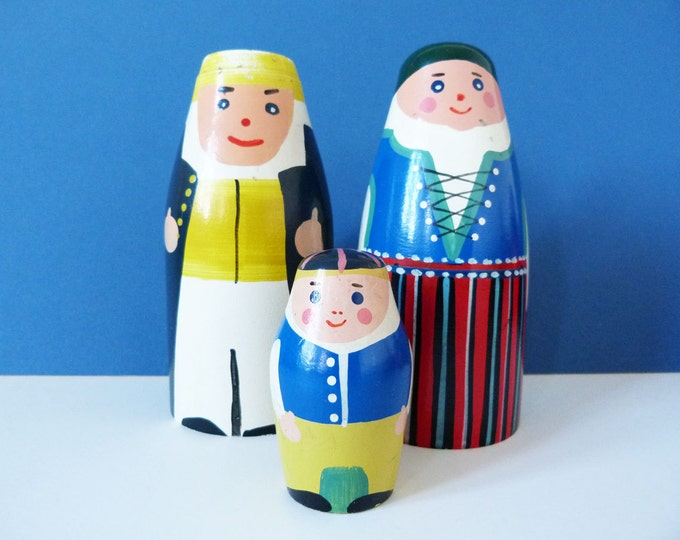 Mor Far Och Glyttarna Swedish vintage wooden money boxes.
