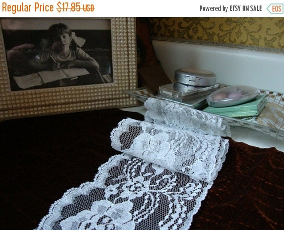 "2016 SALE 15 yards 4"" width beautiful white flower scalloped lace trim / white wedding bridal lace trim"