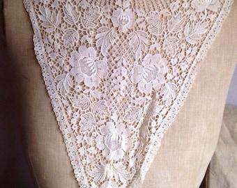 Antique Lace Collar, Cream Floral Schiffli Lace / Period Costume Vintage Wedding OOAK