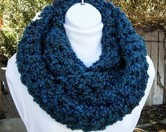 Bulky INFINITY SCARF Loop Cowl, Dark Teal Blue, Green, Red, Large Thick Soft Warm Wide Winter Handmade Crochet Knit..Ready to Ship in 2 Days