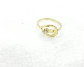Avon Catch a Star Gold Tone Ring  Mint condition size 7  Delicate  1978