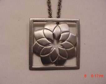 Vintage Waters Pewter Look Necklace   16 - 796