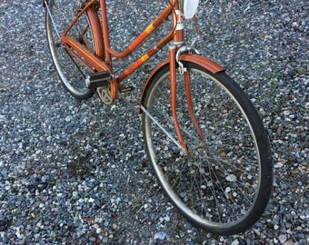 Vintage Huffy ladies 3-Speed Cruiser/Local Pick up only