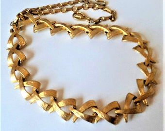 c.1960s Gold Collar Necklace... Textured 'X' Links