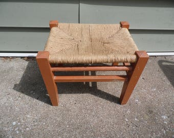 Foot stool vintage foot rest wooden frame with woven mat footrest/pad foot rest measures 14 1/2 x 10 1/2 stool measures 15 x 12 3/4 x 11 1/4