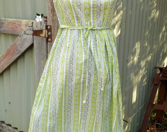 old fashioned frock, sweet day dress, vintage cotton, medium
