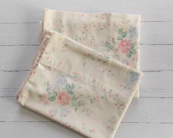 Vintage Pillowcase Set / Ivory & Pink Rose Floral / Vintage Pillowcase