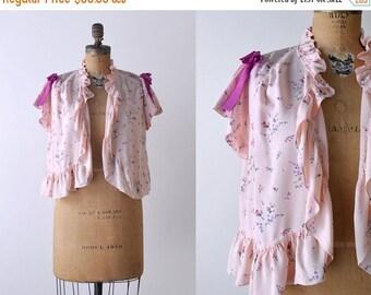 25% OFF 40's floral jacket. 1940's vintage blouse. pink top. ruffled. 40's bolero. silk rayon. purple