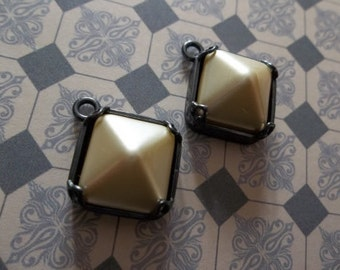 Ivory Glass Charms - 12mm Czech Glass Cream Pearl Pyramid Stud Charms - Pendants in Gunmetal - Qty 2