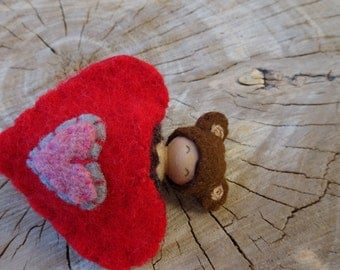 Valentine Bear, waldorf Valentine Doll, Heart Pouch, Small Peg Doll, Wearable, red, brown, pink, gray, wool, wood, eco toy