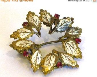 WINTER SALE Vintage 50s Gold Enamel & Red Rhinestone Leaf Holiday Wreath Brooch Pin