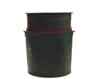 Rusty Bait and Tackle Minnow Bait Bucket Can Fisherman Fishing Camping Rusty Decor