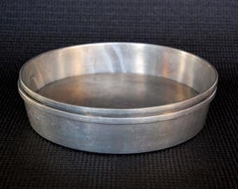 Set of 2 Vintage MIRRO 8 inch Cake Pans with Removable Bottoms Mirro Model Number 1178M Vintage 8 Inch Heavy Aluminum 2-Piece Cake Pans