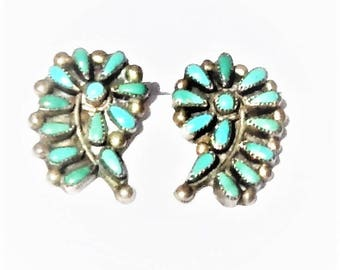 Vintage c1950 Southwest Sterling Silver Petit Point Turquoise Zuni Screw Back Earrings