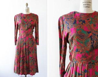 Pink Paisley Dress M/L • 80s Dress • Jessica Howard Vintage Dress • Button Back Dress with Pockets • Rayon Dress • Secretary Dress   D1025