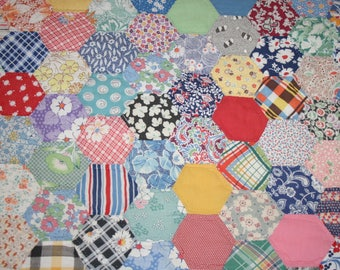 Charming Honeycomb Hexagon Pattern Vintage Quilt Piece — Some Feed Sack Fabrics — 22 by 21 Inches