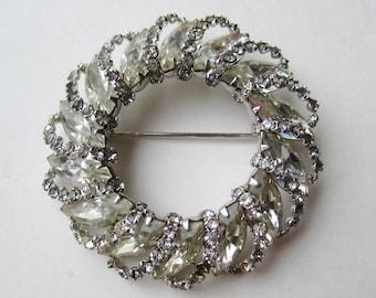 Vintage 50s 60s Sparkling Rhinestone Signed WEISS Designer Wreath Brooch Pin