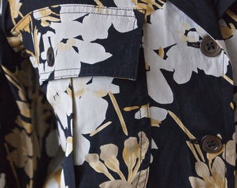 Valentino 80's Silk Blouse Floral Black, Gray and Gold Oleander Size 8/42