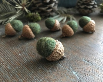 Felted wool acorns, set of 6, Mossy Green, for fall table decor, woodland decoration, waldorf children, montessori school, green wool acorns