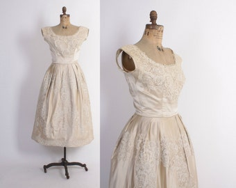 Vintage 60s WEDDING DRESS / 1960s Harvey Berin Champagne Silk & Imported Lace Bridal Gown S