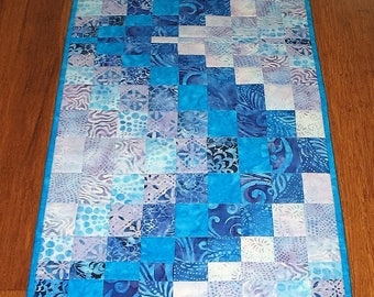 Batik Table Runner Bargello, table runner quilted, Pieced, handmade, blue, violet, patchwork