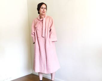 60's Vintage Lilli Ann Pink Coat / Oversized Coat / Mid Century Modern