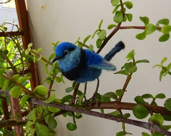 Needlefelted blue wren/Needlefelted bird/Felted bird/ Felted blue wren/Blue wren/OOAK/Bird's miniature