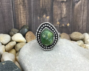 Green garnet solitaire sterling silver ring, double border raw garnet ring