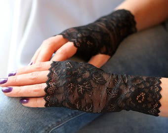 Lace Gloves in Black , stretch lace, fingerless lace gloves, Bride, bridesmaid, gift for her.  Free shipping!