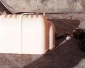 Vintage pink plastic bed light.  CF-476-.25.