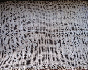 Large Vintage Square Doily or Table/Dresser Cover Scarf Filet Crochet