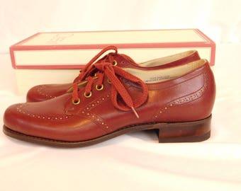 Vintage Deadstock Leather Wingtip Oxfords Spectator Shoes, Women's Size 7 Narrow
