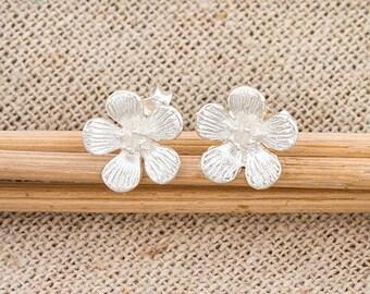 1 pair of 925 Sterling Silver Flower Stud Earrings 10mm.  :er1084