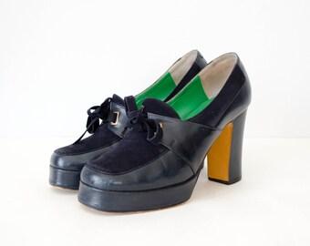 1970s vintage shoes / navy leather platform shoes / Phoenix / 5-5.5