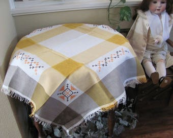 "Table Linens Vintage Yellow Plaid Embroidered Linen Tablecloth - 32"" Square (#119)"