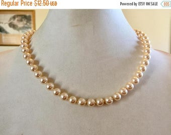 SPRING SALE Beautiful Vintage Single Strand Cream Glass Pearl Necklace