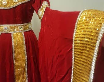Vintage 1950s Red Velvet Queen Dutchess Gown Costume. Pageant Renaissance Stage. Small